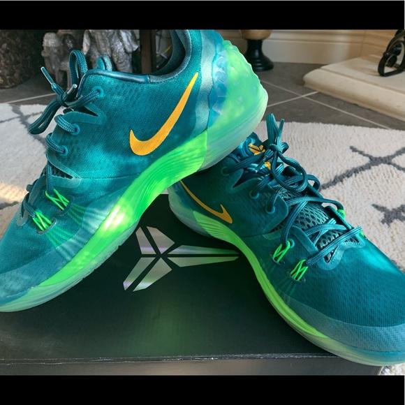 **SOLD**Zoom Kobe 5 Men\u0027s Basketball Shoes